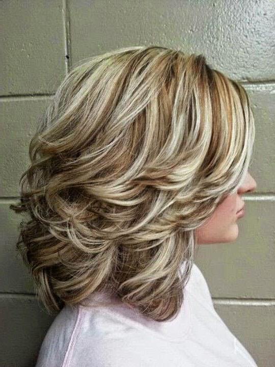 Прическа для средних волос