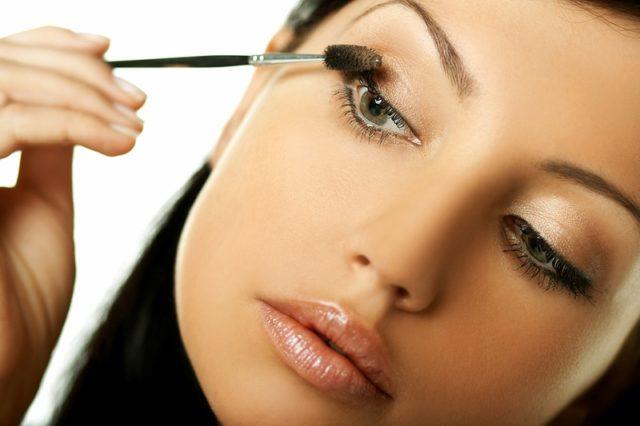 Как научиться делать макияж самой себе пошагово с фото
