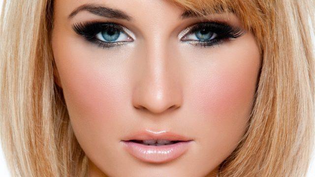 Макияж для девушек с голубыми глазами и русыми волосами