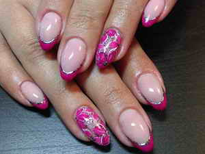 Розовый френч на ногтях: фото