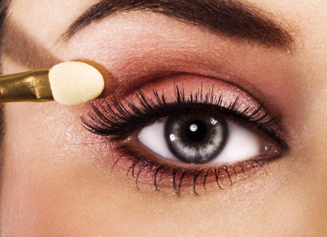 Как правильно красить глаза тенями, карандашом и тушью